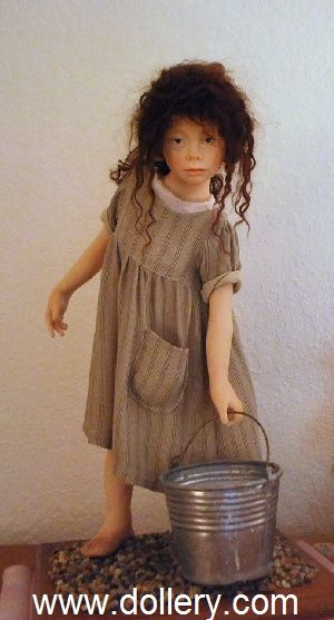 Laura Scattolini Secondary Market Dolls ../ 35.17.4 qw