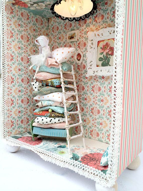 Princess and the Pea Diorama night lumiere by SwankyEgg on Etsy