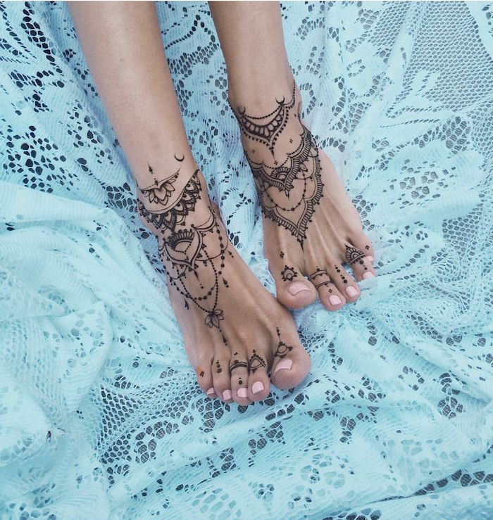 Tattoo on the foot, ankle or calf – the best ideas for women
