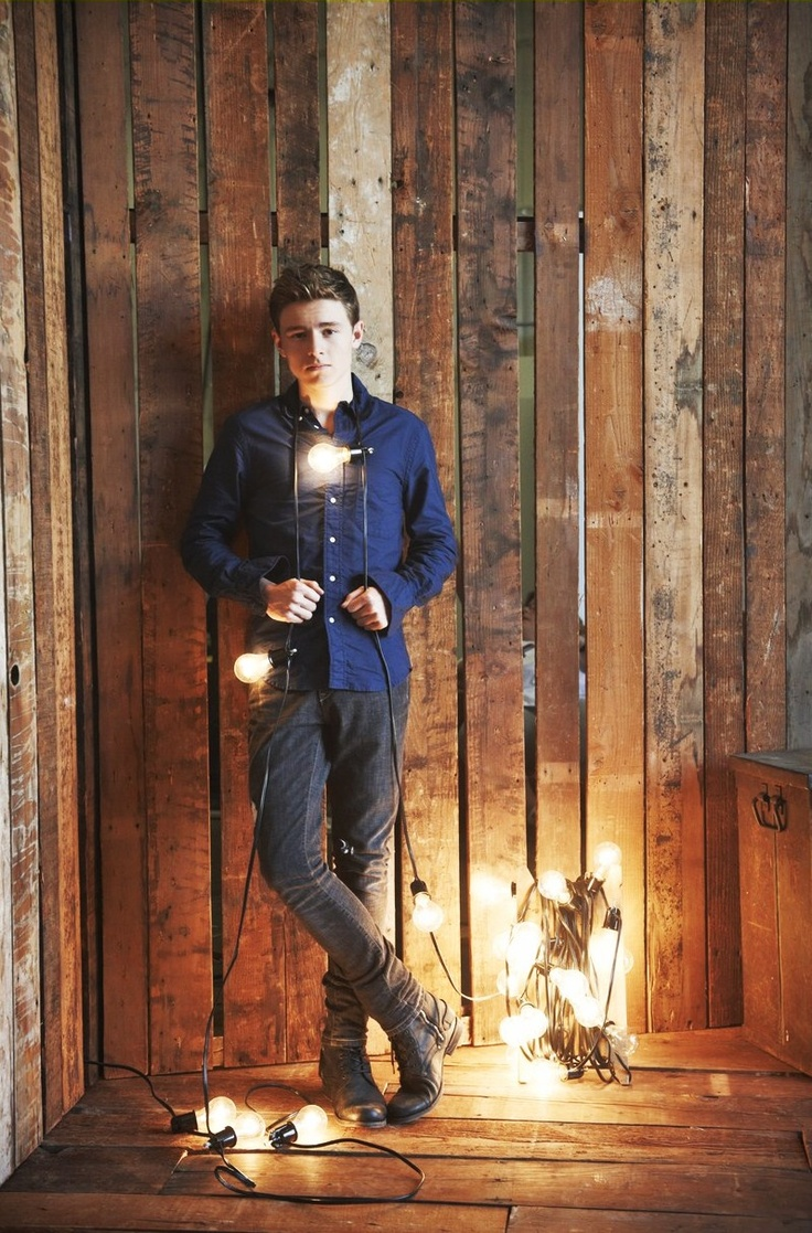 unreachablepeople: Baby, you light up my world like nobody else. Literally. Callan McAuliffe, also called as Sam Goode / Bryce Loski / young Jay Gatsby/ any other role he's been in.