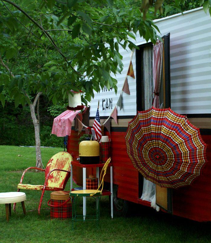 MaryJanesFarm - Ranch Farmgirl Blog >> Glamper Paradise. Shery's 1958 Leino.