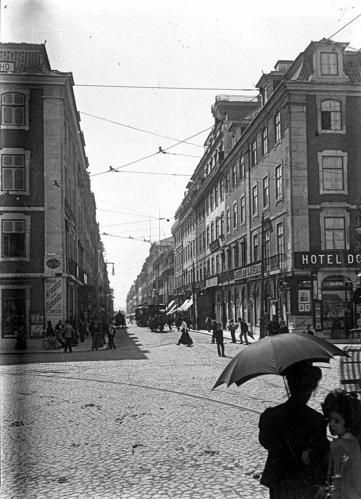 Tabacaria Costa [c. 1910] Rua Áurea vulgo Rua do Ouro.; Hotel Universo Alberto Carlos Lima, in AML