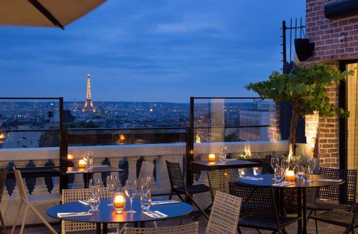 Le Terrass » Hôtel 12-14 rue Joseph de Maistre, 75018 Métro Blanche Ouvert tous les jours de 12h à minuit Tél. : 01 46 06 72 85