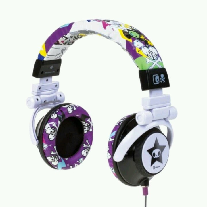Just bomb skullcandy..