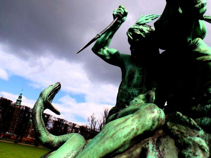 fighting against a Snake - Copenhagen (Denmark)