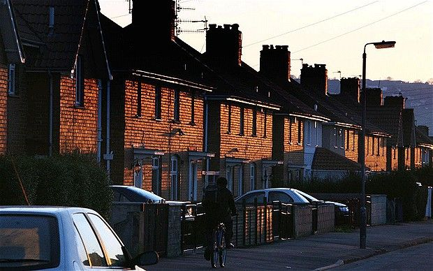 Council tenants can rent out spare rooms - Telegraph  http://www.telegraph.co.uk/news/...    Social housing tenants will be allowed to make thousands of pounds by renting out their spare rooms and their benefits will be unaffected, ministers have admitted.