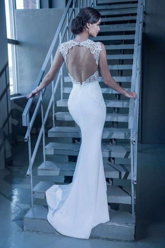 15090 в Красноярске, Платье в пол, Свадебное платье с рукавом, Свадебное платье с закрытым верхом, Пышное свадебное платье