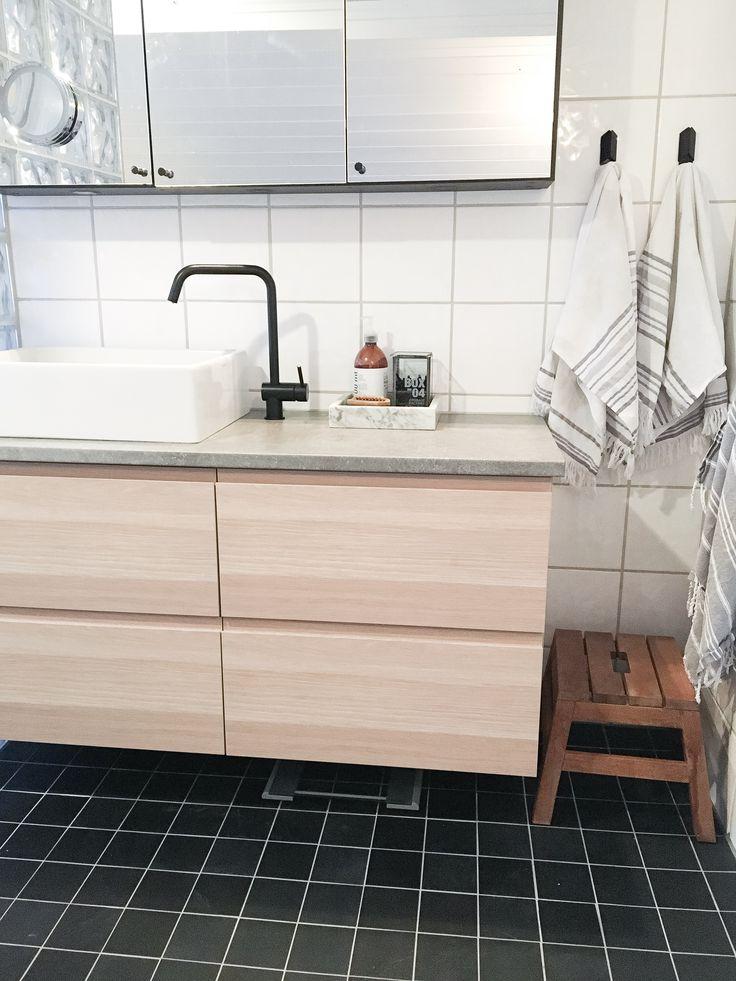 My Ikea hack of Godmorgon cabinet i whitewashed oak, with ...