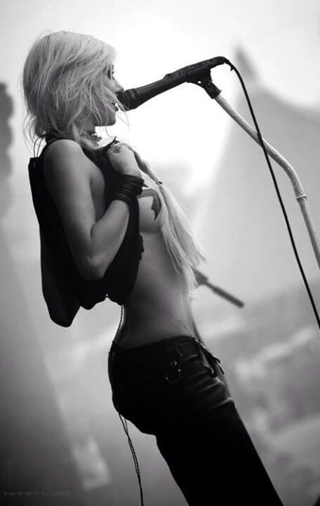 Taylor Momsen -- sexuality on your own terms