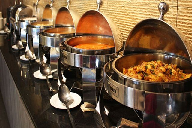 Fresh Food Caterers provide corporate catering service in Gurgaon! They offer quality of meals corporate catering service for event, dinner party and wedding party etc at affordable price by their catering specialized in Delhi area. Contact now +91 8506011011 for catering service.