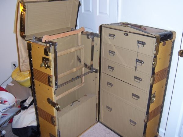 Vintage Royal Robe Steamer Trunk Fold Out Ironing Board Hangers And Case On Left Side 5