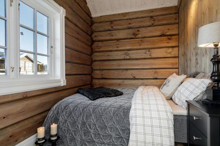 FINN – HOFTUN HYTTEFELT/NYSTØLFJELLET - Nyoppført tømmerhytte på tomt med fantastisk utsikt!Høy kvalitet på materialer og håndverk.
