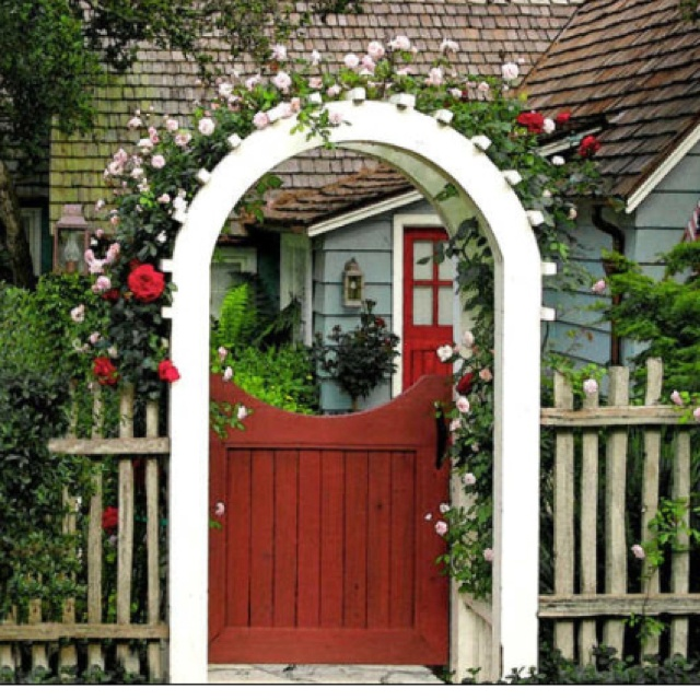 Fence Gate Arbor: Love This Gate And Trellis With The Picket Fence!