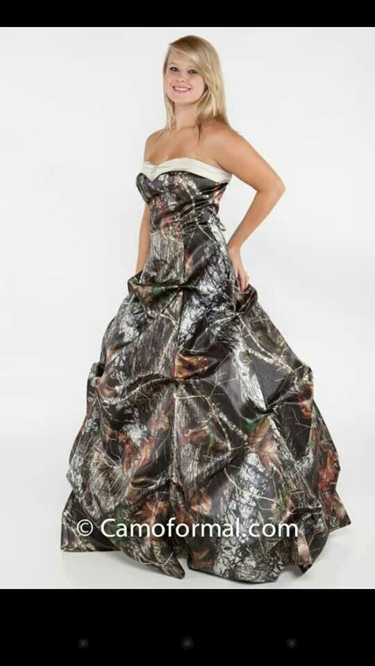 Camo Wedding DressI LOVE IT