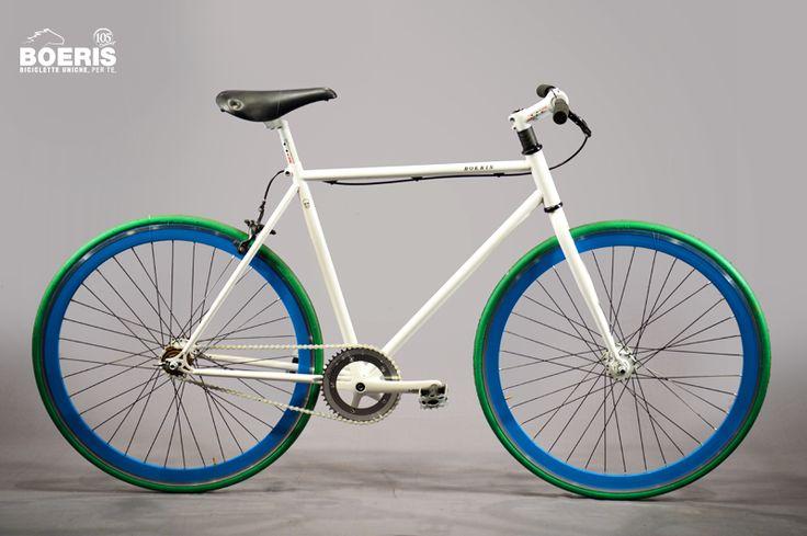 Ruote a profilo alto, manubrio in legno e colorazione personalizzata. Vieni a trovarci in casa Boeris per creare la bicicletta su misura per te.