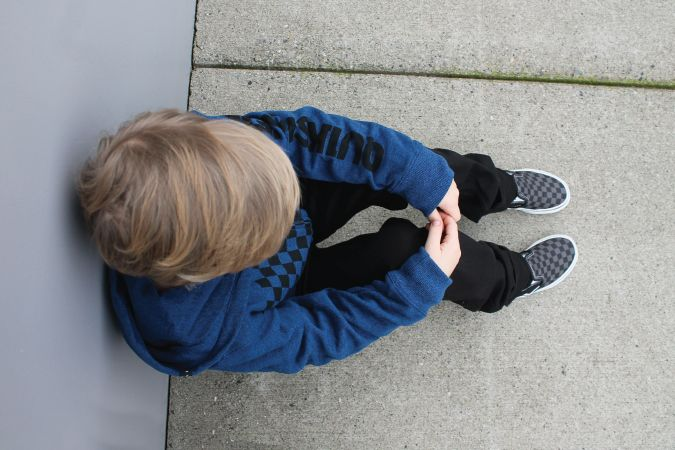 Stylin' kiddos! Wearing @quiksilver hoody & pants and @vans shoes!