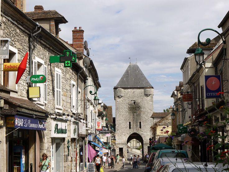 Moret-sur-Loing (Seine & Marne) - Porte de Bourgogne - XIIème