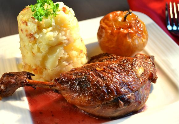 Ente in Rotwein | Recipe (With images) | Red wine sauce ...
