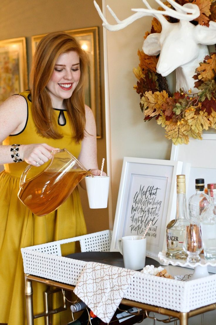 A spiked apple cider bar cart just in time for Thanksgiving!