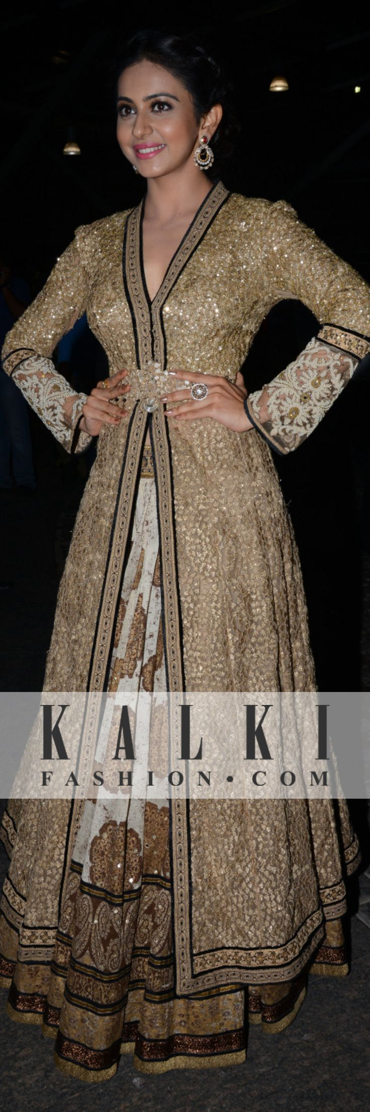 shinning in a gold anarkali is what took this diva to have all eyes look at her in awe