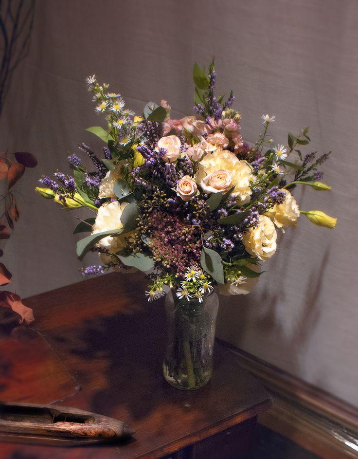 #bridalbouquet #wedding #bride #floral #ramodenovia #novia #boda #flores #flowers #flowerarrangement #sauvage #sauvageflowers #achilea #lisianthus #rose #erika #bouquet #laiaclaramunttallerfloral #sabadell #barcelona