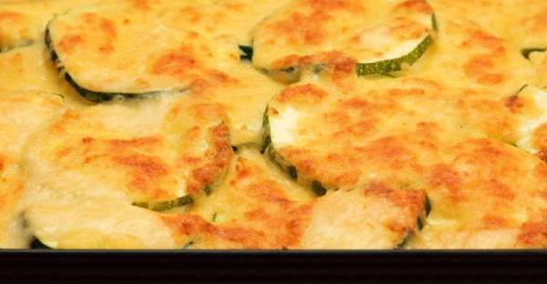 Baked Potato Zucchini Casserole Recipe.  This baked potato zucchini casserole recipe is a healthy casserole recipe that is the ultimate in comfort food.  CLICK VISIT for FULL RECIPE!