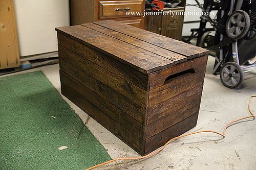 DIY Wooden Chest Bench out of Pallets