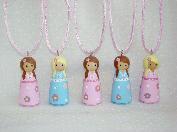 I love love love peg dolls