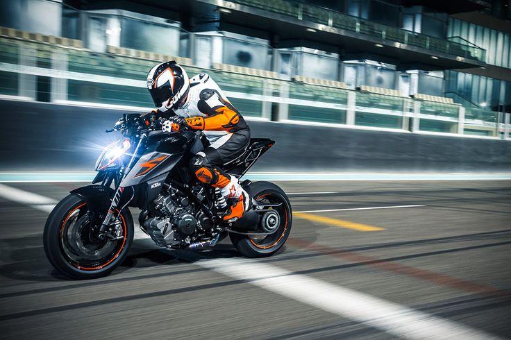 The 2017 KTM Super Duke 1290R Looks Like A Predator