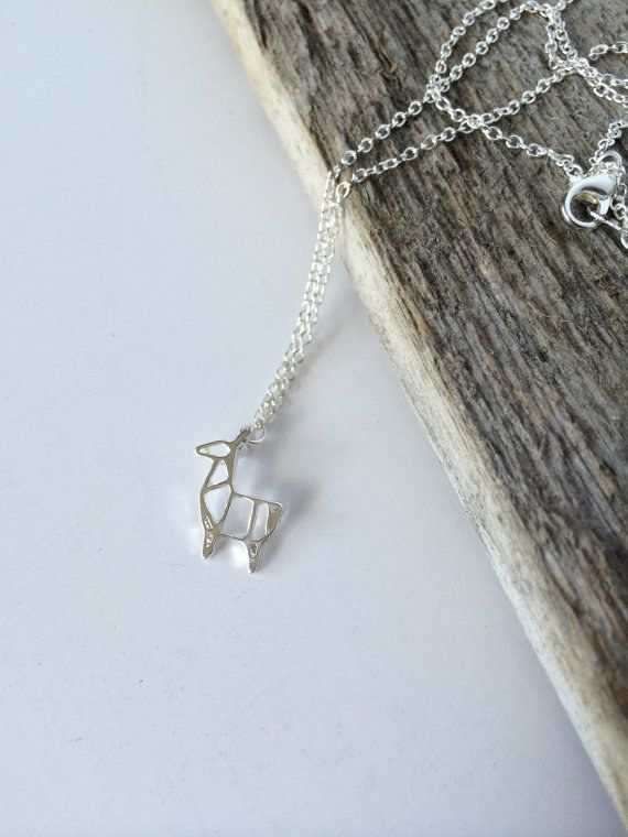This tiny geometric necklace. | 23 Things You Need If You Secretly Have A Thing For Llamas