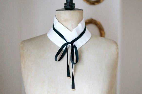 つけ襟 タック 白 (黒リボンつき)|ファッション雑貨・小物|design il NODO|ハンドメイド通販・販売のCreema