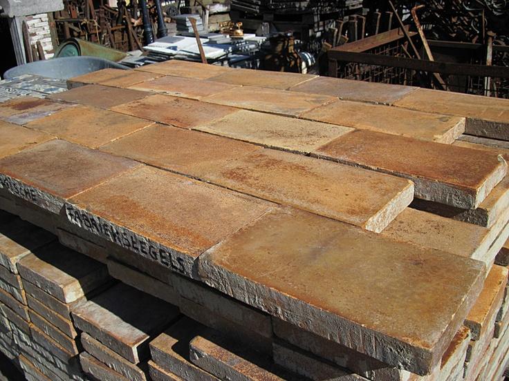 Oude belgische fabriekstegels ex haven antwerpen oude tegels in alle soorten en maten bij jan - Lino imitatie oude tegel ...