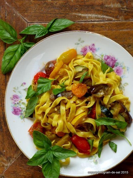 grain de sel - salzkorn: Basilikumologie - Nigel Slater's Pasta mit gerösteten Auberginen