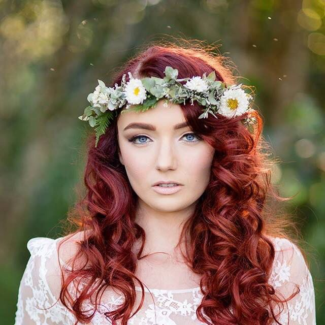 Red hair voluminous waves