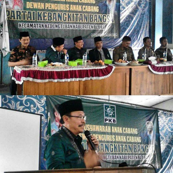 REORGANISASI PKB KEDUNGTUBAN GELAR MUSANCAB  Kedungtuban Dalam rangka reorganisasi Dewan Pengurus Anak Cabang (DPAC) Partai Kebangkitan Bangsa (PKB) Kecamatan Kedungtuban Blora menggelar musyawarah anak cabang (Musancab). Acara yang berlangsung di Gedung Serbaguna Desa Bajo Kedungtuban dimulai pukul 14.00 Wib Senin (16/5/2017) dihadiri sejumlah petinggi PKB yakni Ketua DPC PKB Blora KH Abdul Hakim Wakil Ketua Dewan suro PKB Abdullah Aminuddin Anggota Fraksi PKB DPRD Jawa Tengah Romli Mubaroh…