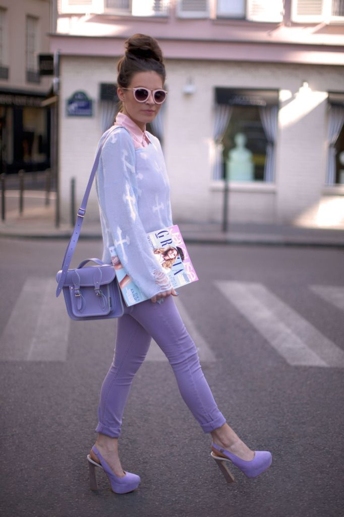 The best pastel color blocking I've seen.  She manages NOT to look like an Easter egg, and that's key.