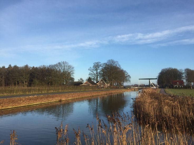 2016-01-29 De Zonnebergerbrug tussen Heeten en Schalkhaar op een mooie winterdag