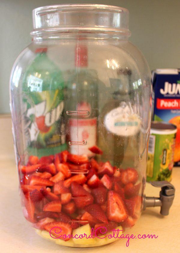 Stawberry Pineapple Stawberry Pineapple Sangria recipe I made this weekend n it was a HUGE hit.  #Sangria #SummerDrinks #DrinkRecipe