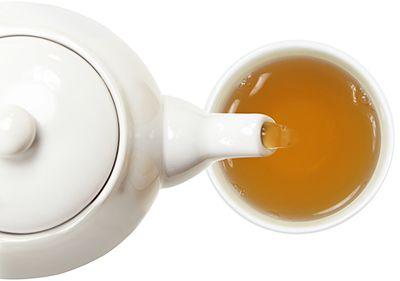 Рекомендуется использовать микроволновую печь - особенно, если мы хотим приготовить безопасный, здоровый напиток.