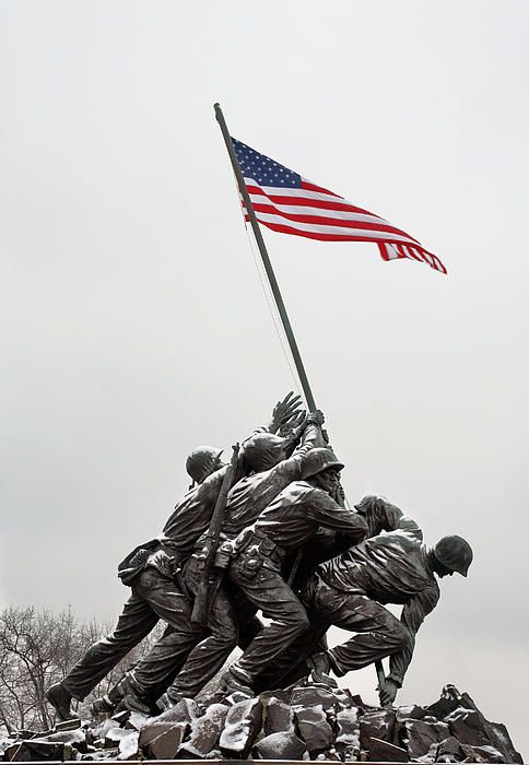 the day the marines raised the flag on iwo jima