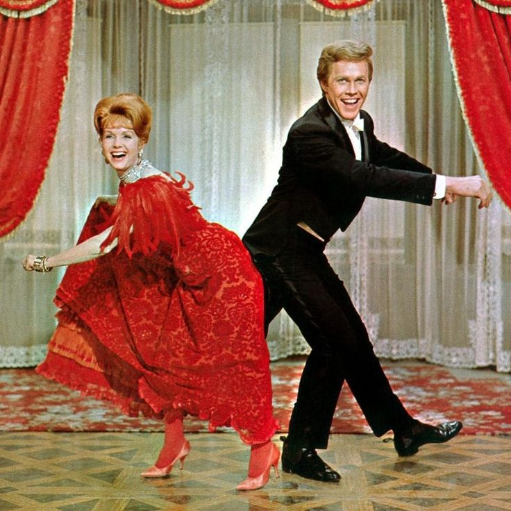 Debbie Reynolds with Harve Presnell in The Unsinkable Molly Brown in 1964.