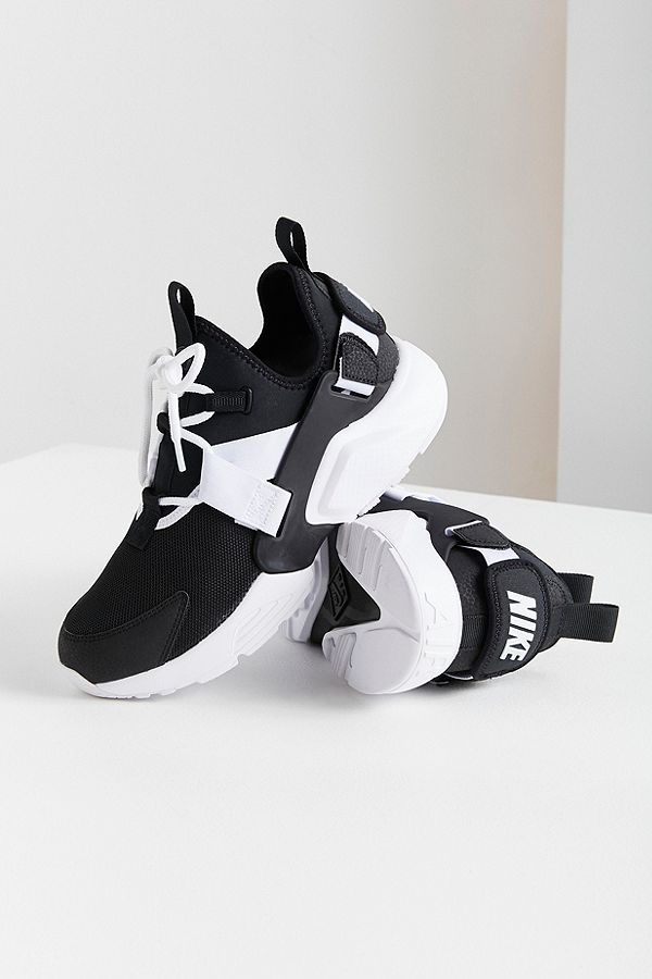 Slide View  1  Nike Air Huarache City Low Sneaker  cf23ee6b2d