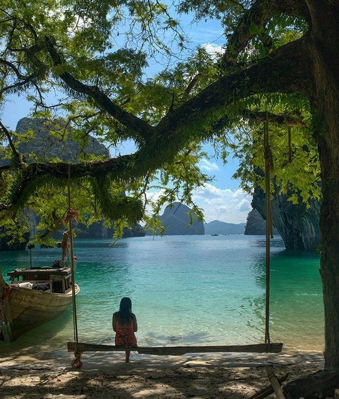 Peaceful Setting at Krabi, Thailand.. ME ENCANTAN LAS AMACAS..Y HACER ESTONO ME LO PUEDO PERDER