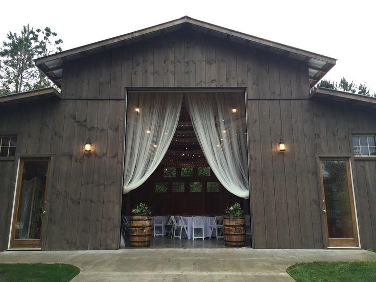 The Coffey Barn Cleveland Tn Wedding Venues In Chattanooga Pinterest Och Ladugårdar