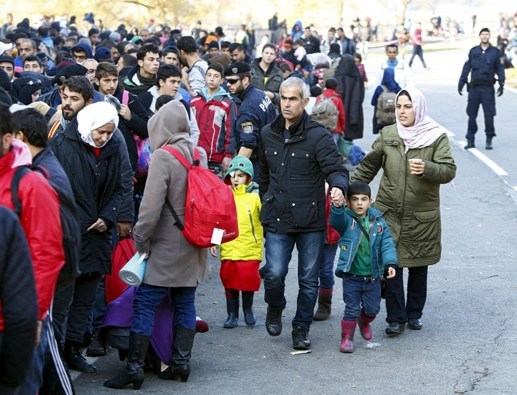 Obama Warns of Enforcement Action Against States That Refuse Syrian Refugees