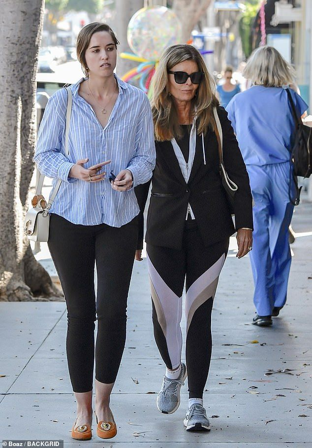 Arnold Schwarzenegger Beams After Lunch With Daughter And Ex Wife In 2020 Maria Shriver Arnold Schwarzenegger Ex Wives