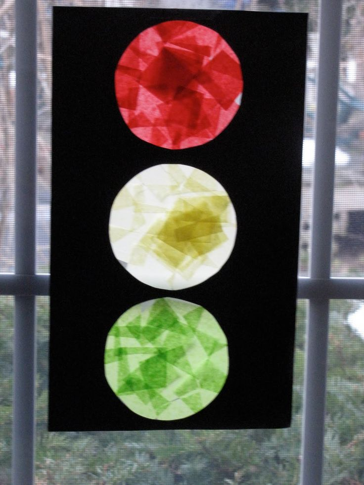 Stoplight craft - words of memory verse down sides, in white letters?
