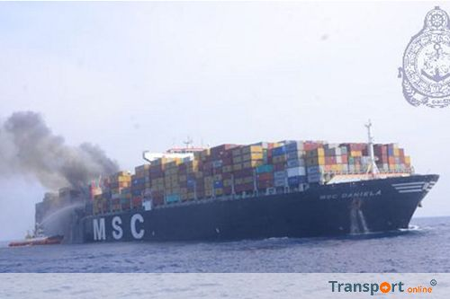 Brand aan boord van containerschip de 'MSC DANIELA' in de Indische Oceaan [+foto's]