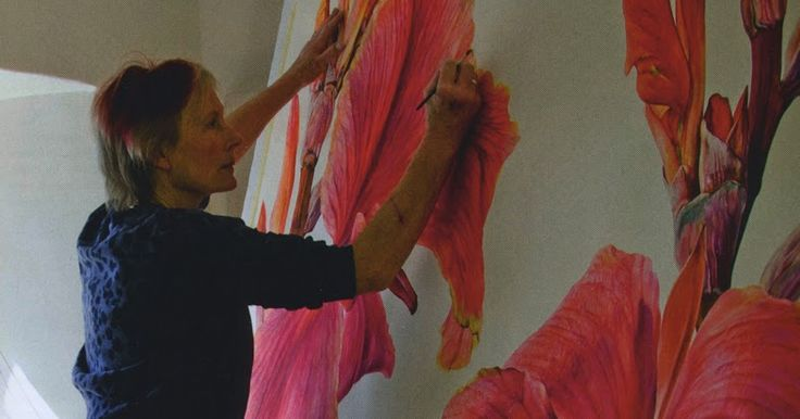 A recent edition of Country Life Magazine saw a full page photo of Rosie Sanders at work on one of her enormous paintings. The feature, ...