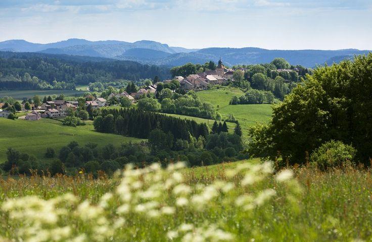 Nozeroy, petite cité médiévale | Haut-Jura | Crédit photo : Stéphane Godin/Jura Tourisme | #JuraTourisme #Jura